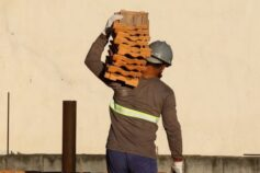 Confiança da construção cresce 5,2 pontos em junho, diz FGV